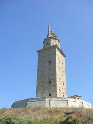 'Historias de la Torre', exposición sobre la Torre de Hércules en el Mirador del Monte de San Pedro